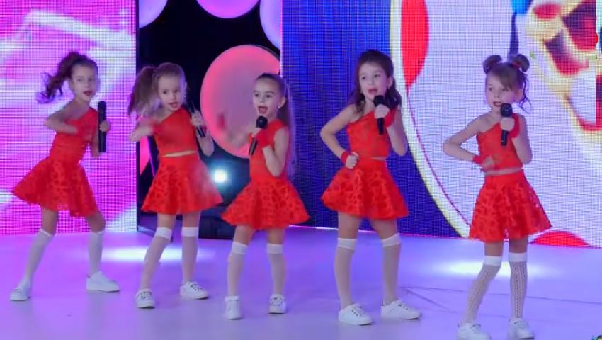 Foto: Primii pași în lumea muzicii! Kamelia Melnic a adus acasă premiul mare de la concursul din Bulgaria