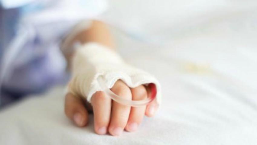 Foto: Doi copii de 3 ani s-au intoxicat cu medicamente