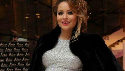 Laura Cosoi a fost apariția serii la Premiile Gopo! Rochia mulată i-a subliniat burtica de gravidă