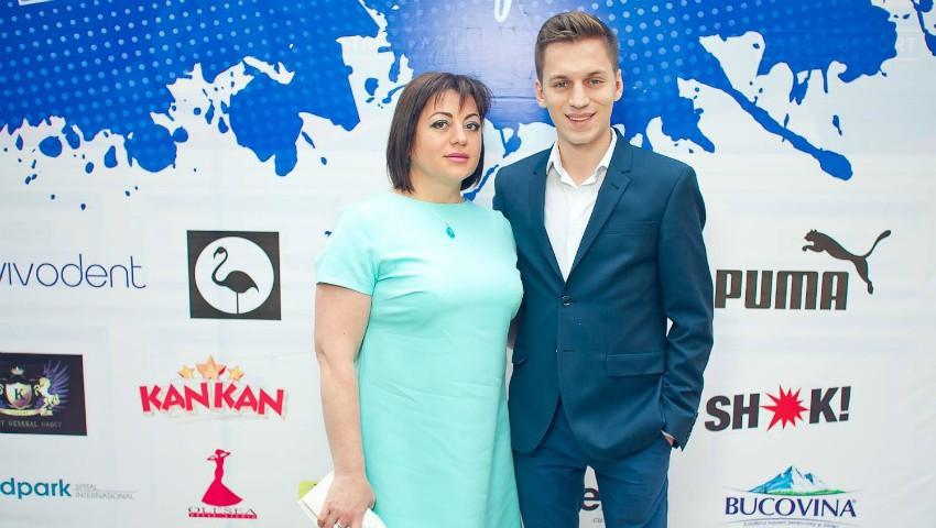 Foto: Cu drag de mamă: Cristi Sambrițchi, interpret, student Academia de Studii Economice a Moldovei