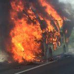 Foto: Tragedie în Thailanda! Peste 20 de oameni au murit după ce autobuzul în care se aflau a luat foc