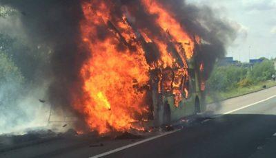 Tragedie în Thailanda! Peste 20 de oameni au murit după ce autobuzul în care se aflau a luat foc