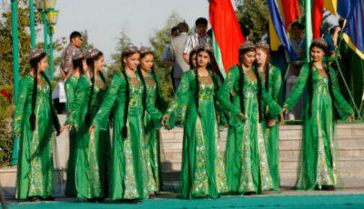 În Turkmenistan au fost interzise importurile de costume de baie