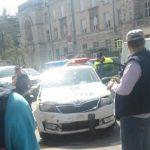 Foto: O mașină de poliție a fost implicată într-un accident rutier în centrul Capitalei