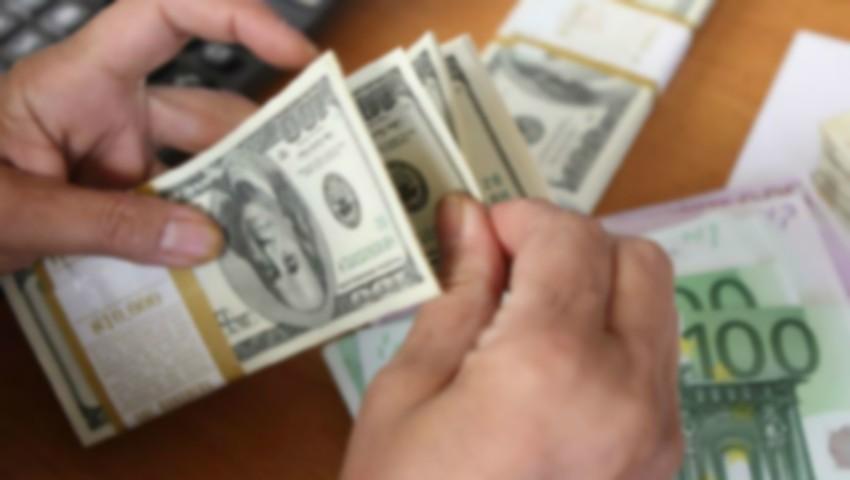 Foto: Atenționare pentru cei care trimit bani acasă! O nouă metodă de înșelăciune face victime pe o rețea de socializare