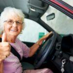 Foto: O bunicuță de 67 de ani din Moldova și-a luat permisul de conducere