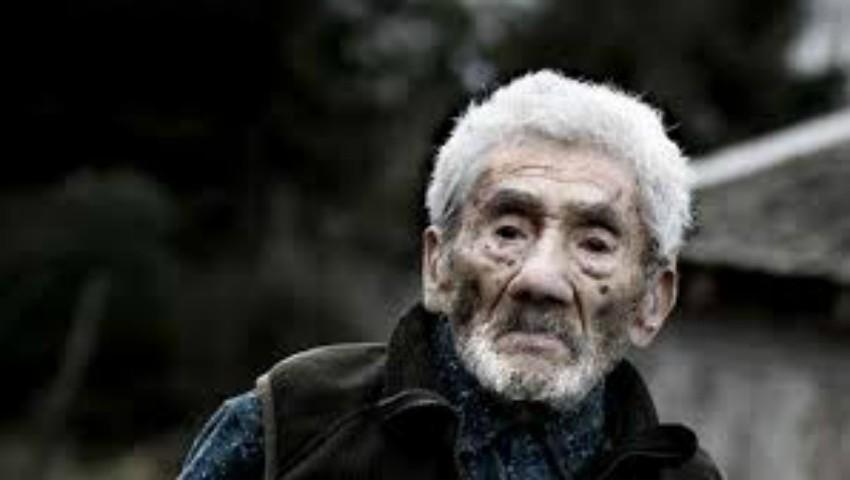 Foto: A murit cel mai bătrân om din lume