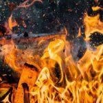 Foto: Incendiu în raionul Călărași! Acoperișul unei anexe a fost mistuit de flăcări