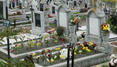 Atenție! Fără flori și decorațiuni din plastic pentru cei adormiți