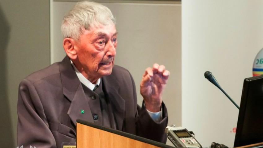 """Foto: Prof. dr. Ovidiu Bojor: """"Mare atenție când vă tratați cu plante, unele pot favoriza dezvoltarea cancerului"""""""