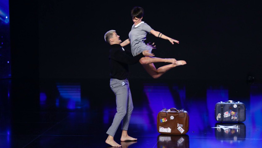 """Foto: Video! Un moldovean și soția sa, spaniolă, au făcut show la ,,Românii au Talent"""""""