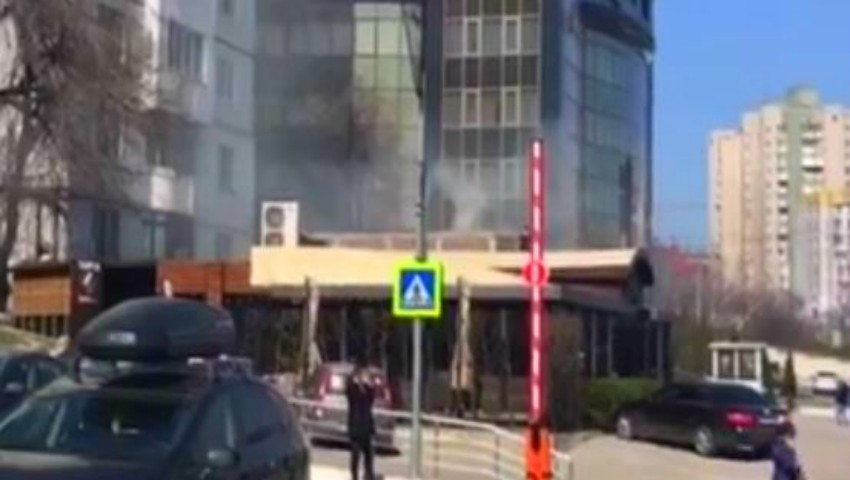 Foto: Incendiu la un local din centrul Capitalei. Video