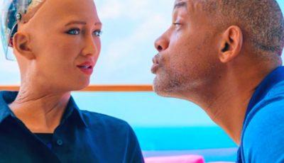 Video! Reacția robotului Sophia atunci când actorul Will Smith încearcă să o sărute