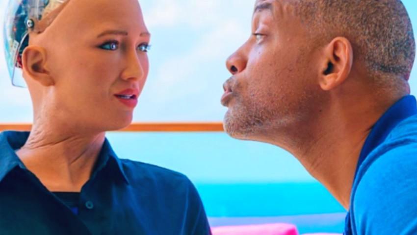 Foto: Video! Reacția robotului Sophia atunci când actorul Will Smith încearcă să o sărute
