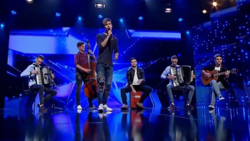 """Foto: Video! Trupa 7 Klase a urcat pe marea scenă a showului ,,Românii au Talent"""""""