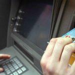 Foto: Un copil s-a electrocutat grav la un bancomat