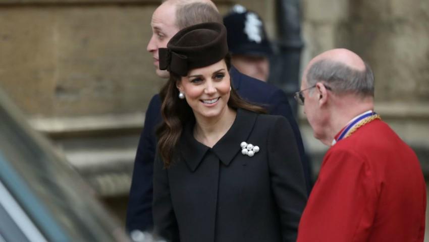 Foto: Familia Regală britanică a sărbătorit Paștele. Imagini inedite
