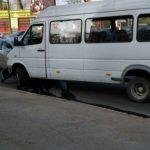 Foto: Accident rutier în Capitală cu implicarea unui microbuz de linie