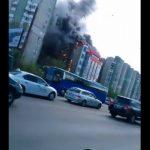 Foto: Un alt incendiu în Capitală! Un centru comercial a fost cuprins de flăcări