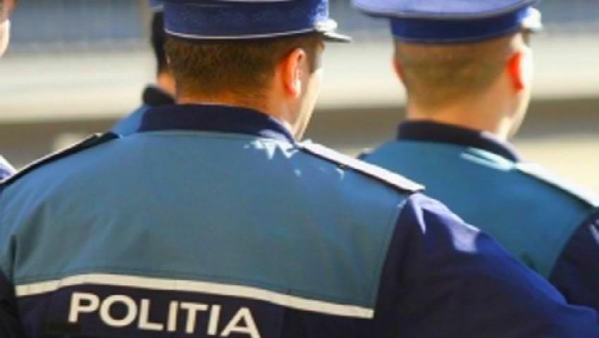 Astăzi, toți polițiștii din Republica Moldova poartă blugi. Iată care este motivul!
