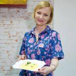 Foto: Rețeta copilăriei: Sos alb cu piept de pui și mămăligă de la Radmila Popovici