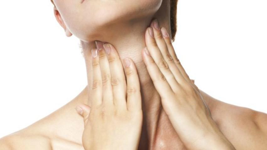 Foto: Sfaturi de frumusețe! Cum să menții aspectul tânăr al pielii de pe gât