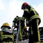 Foto: Acoperișul unei secții de producere a mezelurilor din Trușeni a fost cuprinsă de flăcări