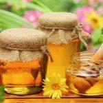 Foto: Studiu: mierea vindecă mătreața, mâncărimea și descuamarea la nivelul scalpului
