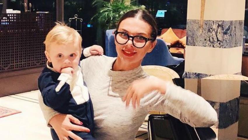 Foto: Cum arată silueta interpretei Anna Sedokova după trei nașteri?