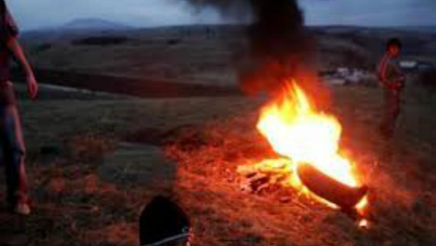Foto: Rugurile din anvelope sunt interzise în Noaptea de Înviere. Amenzi de până la 10.000 lei