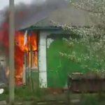Foto: Video. Casa unei femei din raionul Rîșcani a luat foc de la o lumânare aprinsă
