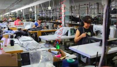 Condiții inumane de muncă și salarii mizere, în spatele hainelor de brand internaționale fabricate în Moldova