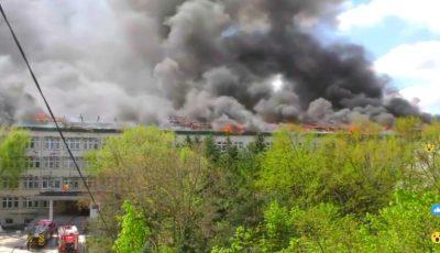 Incendiu uriaș în Chișinău! Arde Institutul de Microbiologie și Biotehnologie, din sectorul Telecentru