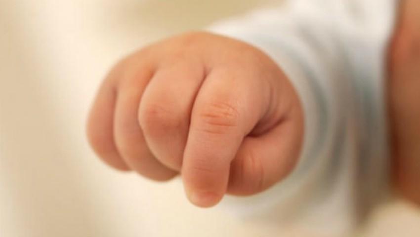 Foto: Un bebeluș de doar 5 luni a murit din cauza gripei