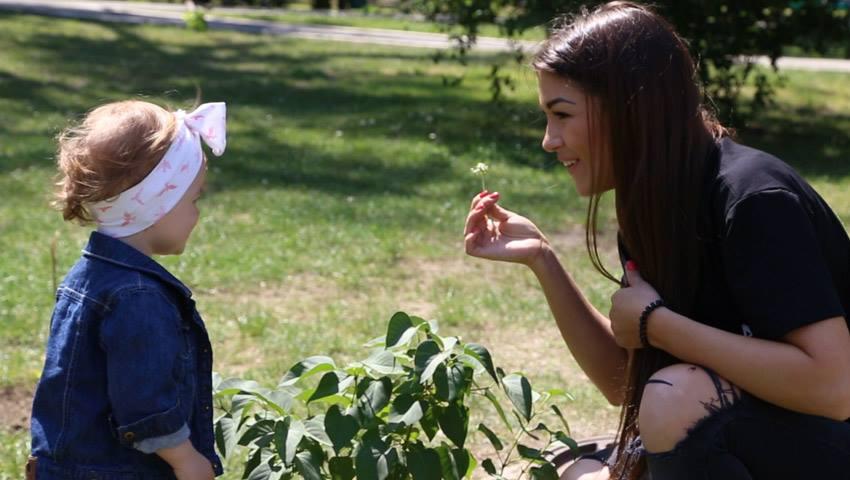 Foto: Tatiana Vornicescu, despre sindromul mămicilor super grijulii