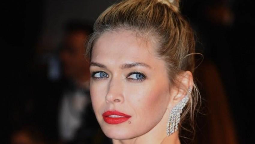 Foto: Vera Brejneva – într-o rochie spectaculoasă pe covorul roșu de la Cannes