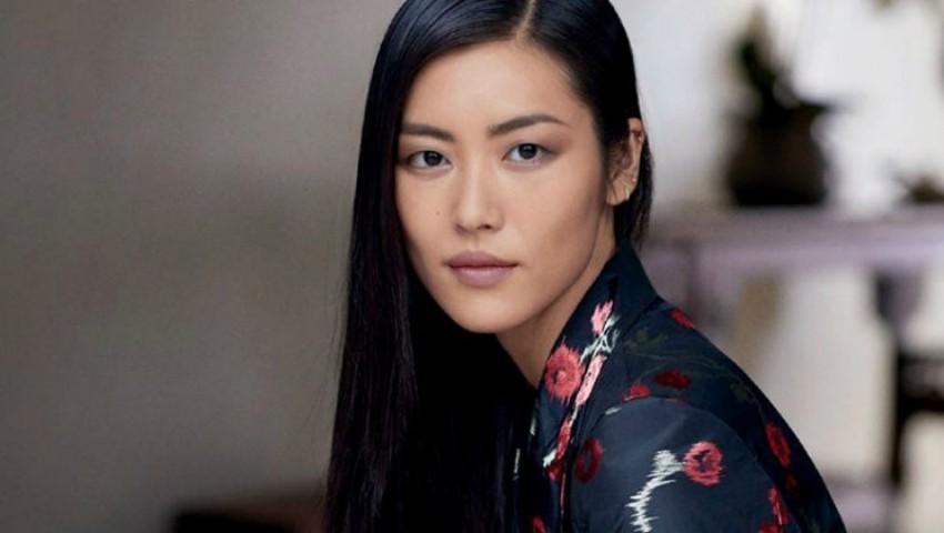 femeie asiatică)