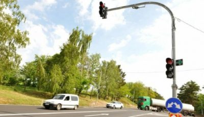 Un semafor inteligent a fost instalat în Capitală