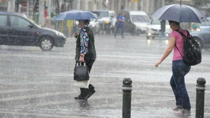 Foto: Vreme ploioasă în nordul și sudul țării