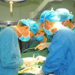 Foto: Caz medical rar. Medicii au eliminat o tumoare de 45 de kg care s-a dezvoltat pe corpul unui bărbat