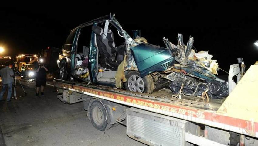 Foto: Accident înfiorător în Ungaria: 9 români au murit. Șoferul făcea live pe facebook