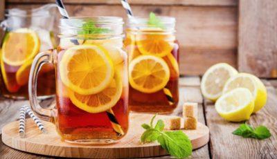 Cum să îți prepari un ice tea de vară, răcoros din ingrediente sănătoase
