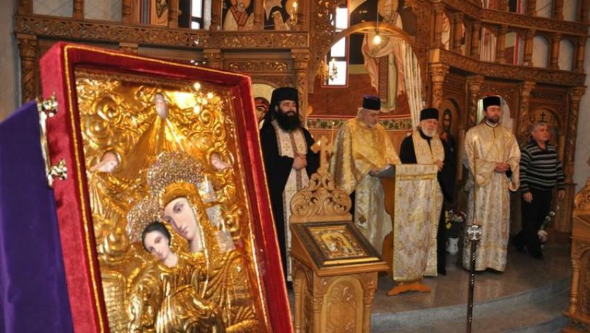 Foto: O icoană făcătoare de minuni a fost adusă la Catedrala Nașterea Domnului din centrul Capitalei