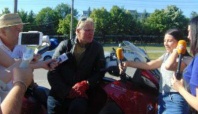 Un dirijor austriac a parcurs peste 1000 km cu motocicleta pentru a participa la un festival din Moldova