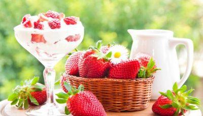 Cum să prepari spuma de căpșuni, un desert delicios pentru zilele de vară