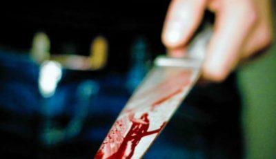 Un bărbat a ajuns în stare gravă la spital după ce a fost înjunghiat în stradă