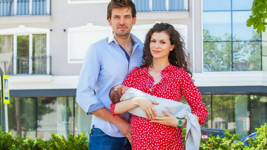 Foto: Stela Mikșanșki s-a externat din maternitate și a dezvăluit numele fetiței sale!