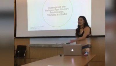 O studentă din New York și-a prezentat teza de licență fiind îmbrăcată doar în lenjerie intimă