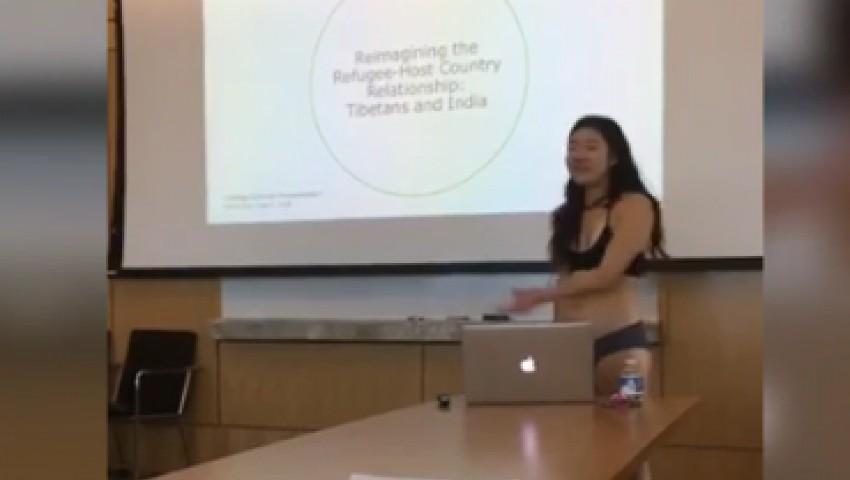 Foto: O studentă din New York și-a prezentat teza de licență fiind îmbrăcată doar în lenjerie intimă