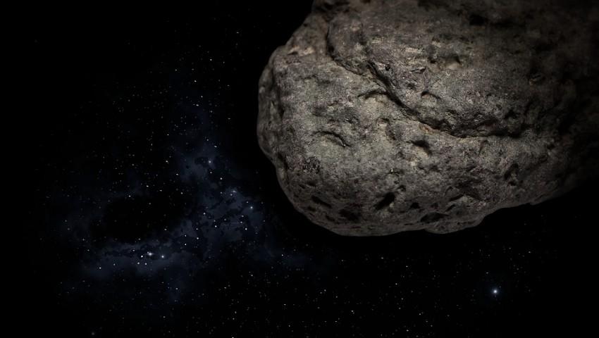 Foto: Un asteroid uriaș va trece astăzi pe lângă Pământ, la cea mai mică distanță din ultimii 300 de ani